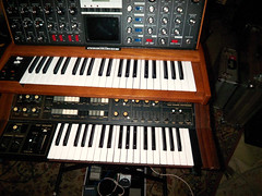 Alice Daisy´s Moog Voyager and Yamaha CS Dual ...