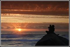 Two is one (ifoto.cl) Tags: chile sunset love couple pareja playa romance navarro puestadesol abrazo rocas ignacio quisco thok thokrates