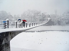 Crossing on snowy day (Junkgirl) Tags: bridge winter snow japan shirakawago urfavswinter supershot abigfave karmapotd karmapotw