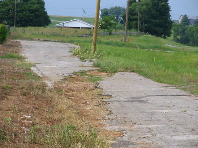 Boring photograph: Old Highway US31E