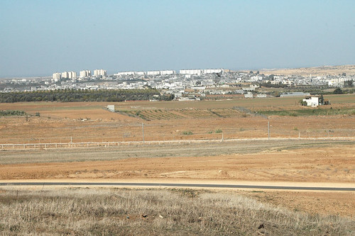 Israel/Gaza border (by maryatexitzero)