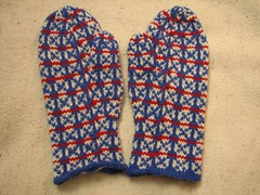 Finished Fox and Geese mittens