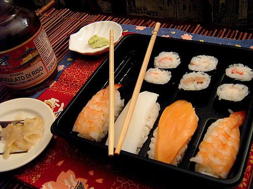 sushi e sashimi pronti da mangiare