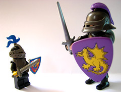 Playmobil vs Lego (Fellipe Souza) Tags: macro canon lego vs s3 playmobil brinquedos