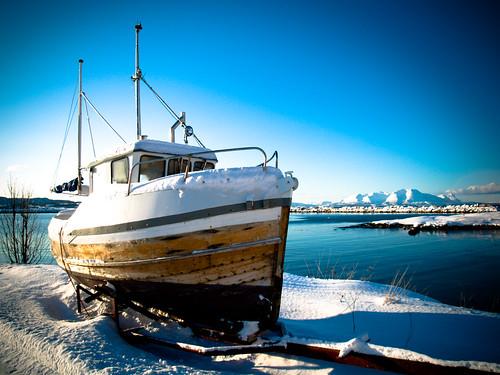 Lomo Boat
