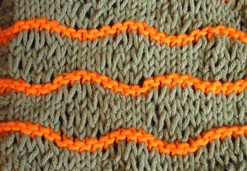 Elongated-Stitch Waves