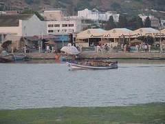 Pêcheurs rentrant dans le vieux port.