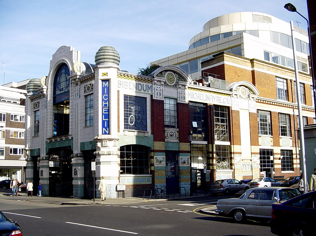 Michelin Building Chelsea: Art Nouveau - Art Deco