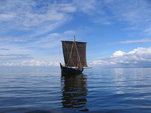 Shnjaka sailing on lake Onega, Russia