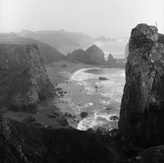 Foggy Coast 365-5  2-11-79 (km6xo) Tags: ocean california 120 film beach water monochrome mediumformat coast foggy rocky hasselblad explore 365 1979 km6xo foggycoast
