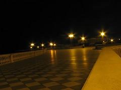 Fiori di Luce (Stranju) Tags: long exposure italia livorno notte luce lampione terrazza mascagni canonpowershots3is stranju withcanonican
