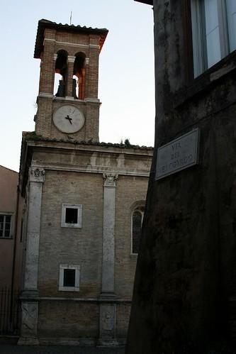 Via del Vescovado, Ostia