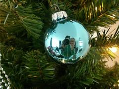 Christmasball (Mandy Verburg) Tags: christmas holland reflection netherlands ball nederland bal kerst christmasball weerspiegeling sliedrecht kerstbal thebiggestgroup mandyarjan
