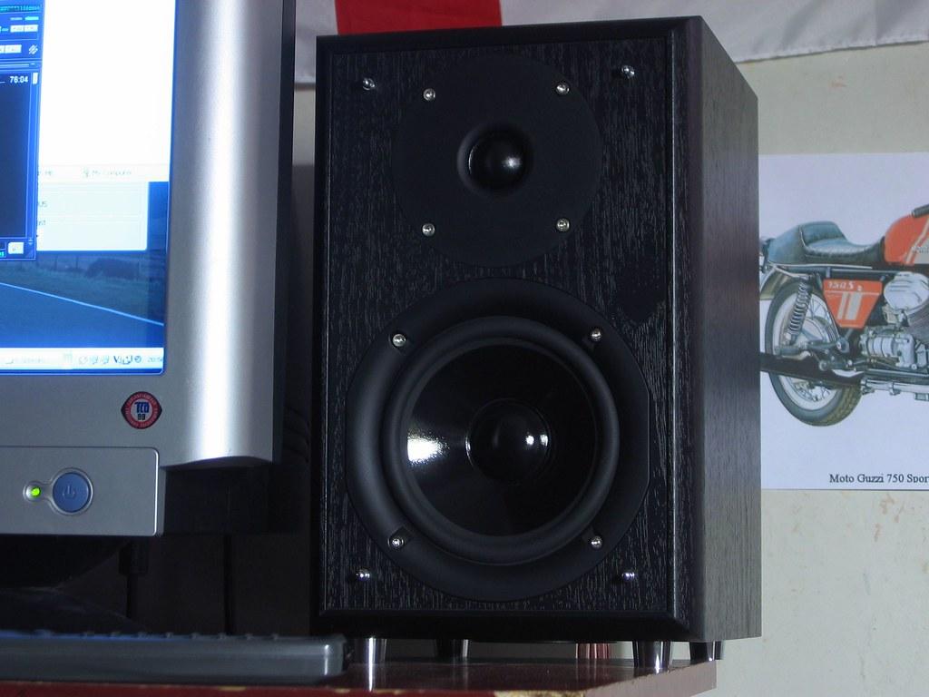 Eltax Monitor III speakers