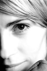 Close Up (fensterbme) Tags: friends blackandwhite bw amanda 20d closeup interestingness l studiolighting homestudio 2470mm fensterbme canon2470mm interestingness408 i500 canonllens canon2470mmf28l amandahandk profotolighting profotoacute explore10jan07 studiolightingparty