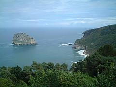 Aketx Uhartea (motty) Tags: sea coast basque eroded uhartea aketx aketxuhartea finepix4500