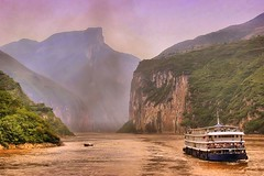 The Beauty of Upper YangZi (CharlieBrown8989) Tags: people mountains 20d water canon boat smog ship searchthebest picasa carbon tamron sustainability corel yangziriver greenhousegas pollutions paintshopproxi