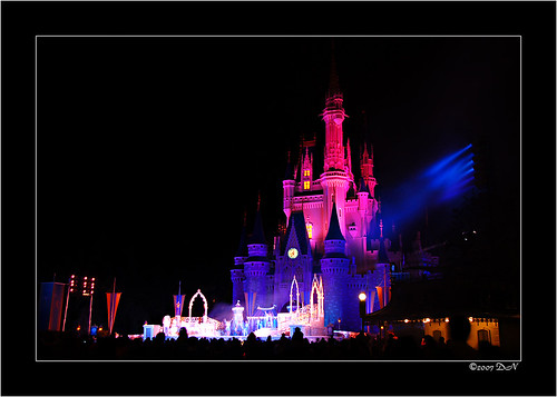 MK Castle with night show