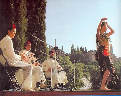 -Con la Orquesta Andalusí