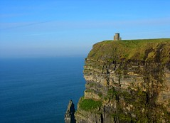 Cliffs of Moher . (mahadewi) Tags: blue ireland irish color green colors canon see colores cliffs moher 2007 instantfave