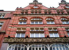 Above Waterstones, Nottingham (C.K.H.) Tags: nottingham windows brick arches frieze redbrick waterstones roundwindow