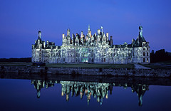 Chambord at night, France (no.zomi) Tags: blue france frankreich europa europe chambord schlsser blaue burgen stunde