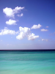 Ocean, Clouds and Sky (Musical Mint) Tags: aruba travel beach sun summer carribean holiday vacation island paradise musicalmint clouds blue turquoise ocean white helluva impressedbeauty