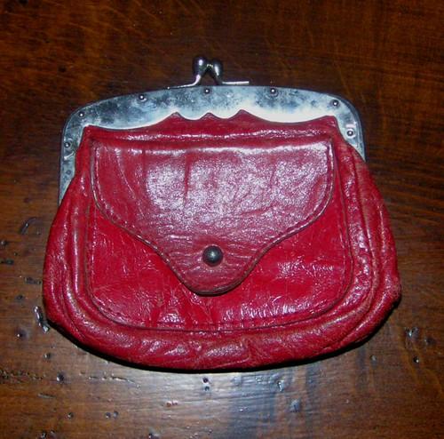 Första plånboken.