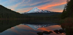Sunrise at Trillium Lake (Mt Hood NF, OR) (Sveta Imnadze) Tags: nature landscape sunrise mthood mthoodnf trilliumlake reflection wow brilliant