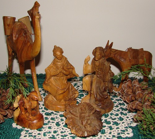 Holy family olive wood nativity Christmas