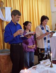 Titus participa en nuestra liturgia (2006)