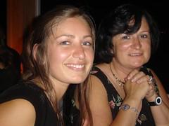 ella y Má (ellamiranda) Tags: industrial graduación uai diciembre2006 fiestadegraduación ellamiranda clubdeyatesderecreo