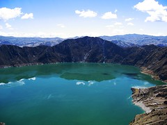 Laguna Quilotoa 2 (magnusvk) Tags: lake green ilovenature ecuador colorful crater andes craterlake lagunaquilotoa quilotoaloop