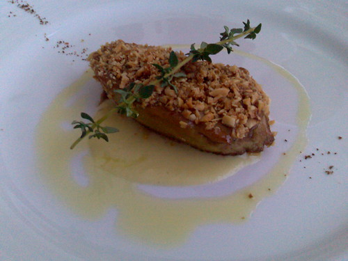 Goose liver lackered with hazelnut and juniper honey with leeks veloute