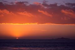 Coucher de soleil sur les Iles Sanguinaires (boleroplus) Tags: france horizontal rouge soleil eau corse reflet nuage ajaccio contrejour coucherdesoleil diapositive
