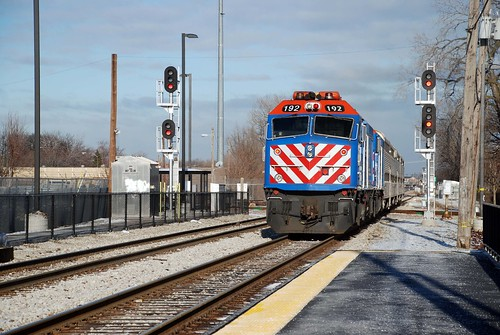 Metra train leaving Ashburn stop, W 83rd St