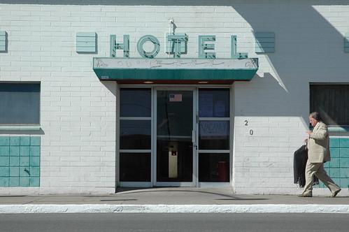 hotel web.jpg