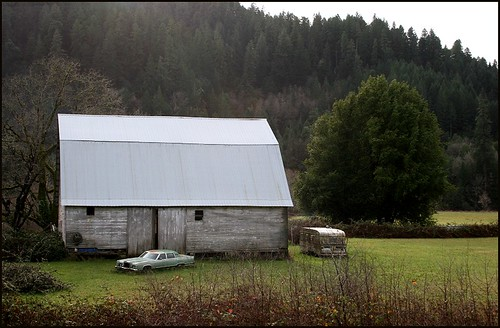 barn and car3