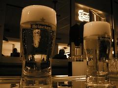 Heineken recién servida