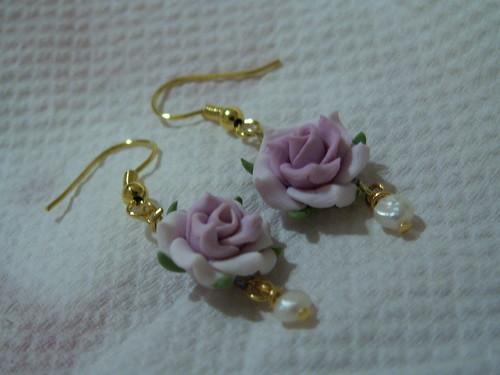 Earrings with precious theme