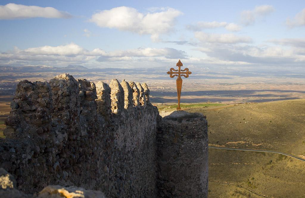 Photo de Rioja n°5. Croix et paysage depuis le château de Clavillo