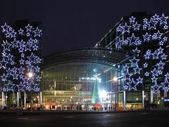 Hauptbahnhof - Central Railwaystation (Gertrud K.) Tags: christmas xmas berlin night weihnachten geotagged navidad nightshot christmaslights nol mitte centralrailwaystation geo:lat=52523461 geo:lon=13370157