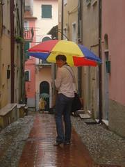 piove a montemarcello (*chiara!) Tags: liguria bambi chiara pioggia settembre ombrello ombrellone montemarcello carugio
