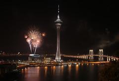 Macau Fireworks 1 (kristupa) Tags: 2005 china travel 2 hk net photography asia crossing south stock bridges east hong kong cb macau fn v2 sar cb2 fotografer fotografernet kristupa saragih