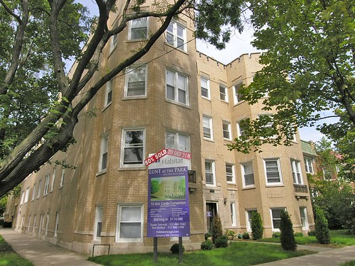 Edgewater, Rogers Park see condo prices fall in 4th quarter