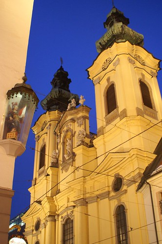 "Linz • <a style=""font-size:0.8em;"" href=""http://www.flickr.com/photos/26679841@N00/332642094/"" target=""_blank"">View on Flickr</a>"