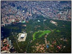 El bosque de Chapultepec (Hugotepic) Tags: skyline mxico mexico mexicocity df capital ciudad panoramica ciudaddemexico distritofederal chilangolandia valledemexico cittadelmessico laciudadmshermosa