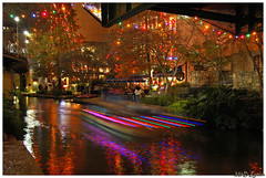 San Antonio by night/ Paseo del Rio (Magda'70) Tags: christmas light usa sanantonio america lights us texas tx riverwalk 2007 bestofsanantonio bestofsanantoniofebruary2007 sat40gold
