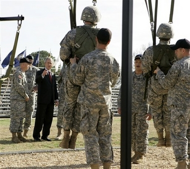 Bush at Fort Benning, 1.11.07   3