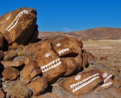 Fish Rocks (Keith.Fulton) Tags: california fish graffiti paint folkart desert offroad mojave americana local fs mojavedesert ridgecrest localcolor trona desertrat poisoncanyon fishrocks krfultonphotography